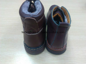 Latest Winter MID-Cut Casual Leather Boots Stock Shoes (FF616-3) pictures & photos