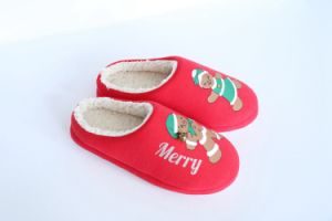 Women′s Indoor Slipper with Print pictures & photos