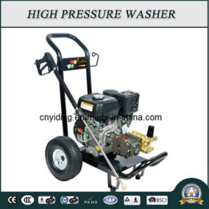 Italy Ar Pump 180bar Semi-Professional Pressure Cleaning Machine (HPW-QL700KR-2) pictures & photos