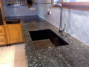 Yellow, Blac Whitegranite, Granite Tile and Granite Slab, Granite Countertop, Granite Sink, Granite Flooring and Wall pictures & photos