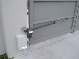 DC Swing Gate Opener 1021.101, 300kgs/Leaf Gate, Reverse Against Obstruction pictures & photos