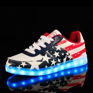 The Latest Popular Fashion Factory Customized Unisex Breathable Luminous LED Shoes pictures & photos
