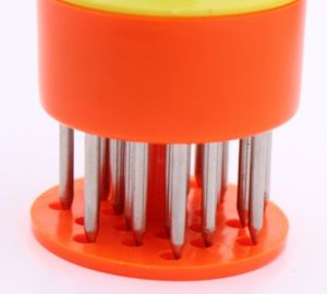 Hot Practical Stainless Steel Needle Meat Tenderizer Pounder pictures & photos