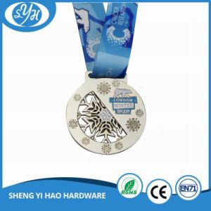 Chrome Plating Snow Bear Souvenir Metal Medal with Ribbon pictures & photos