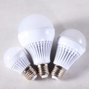 Cheap LED Light Bulb 5W with Plastic Shell pictures & photos