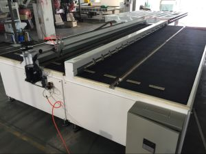 EVA Laminated Glass Cutting Table/ Lamination Glass Cutting Table (YGJ-3726) pictures & photos