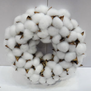 D30cm Wholesale Handmade Cotton Wreath Christmas Decoration Craft pictures & photos