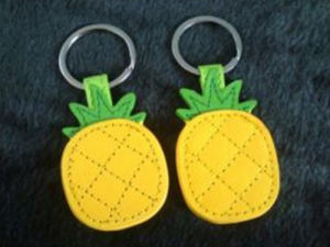 Promotion Cute Custom Fashion Style Fruit Pineapple Leather Keychain (F3070) pictures & photos