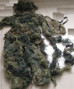 Military Ghilli Suit for Outdoor&Camping pictures & photos