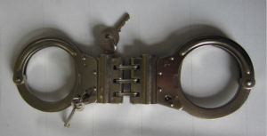New Double Lock Police Alloy Plate Handcuffs (SDHA-1D) pictures & photos