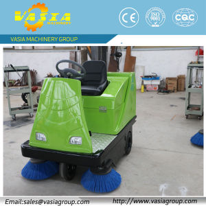 Road Sweeping Machine pictures & photos