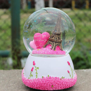 Polyresin Weding Gift&Home Decor Water Globe Snow Globe pictures & photos