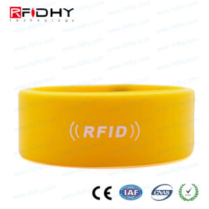 IP68 Waterproof Silicon/Silicone RFID Proximity Tag Rubber Wristband pictures & photos