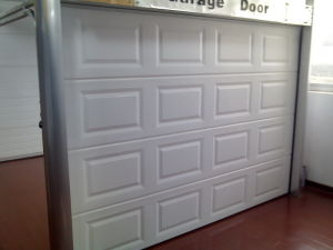 Sectional Garage Door (40mm thick) pictures & photos