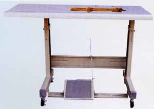 Stand and Table for Industrial Sewing Machine pictures & photos