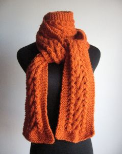 Made to Order Hand Knitted Scarf Made in China pictures & photos