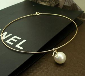 Stainless Steel Jewelry Women Fashion Necklace Choker with Pearl pictures & photos