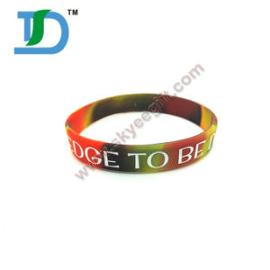 High Quality Wrist Band China Gifts Silicone Wristband pictures & photos