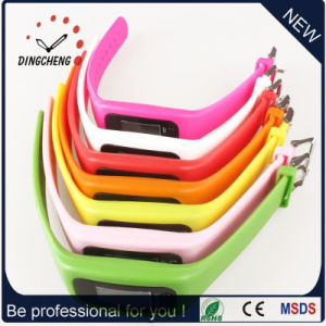 Cheap Promotion Gift Charm Fitness Digital Pedometer Smart Sport Bracelet pictures & photos
