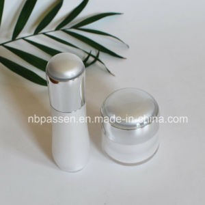 New White/Silver Acrylic Cream Jar Lotion Bottle for Cosmetics (PPC-NEW-108) pictures & photos