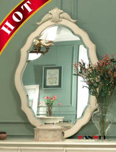 White Modern Dresser Wooden Make up Dressing Table with Mirror pictures & photos