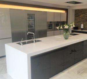 Kkr Customized Quartz Stone Bathroom Vanity Top pictures & photos