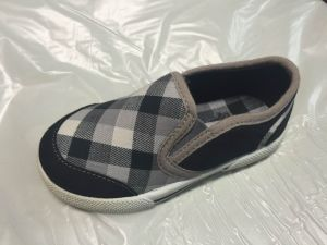 Canvas Upper Children′s Shoe with Injection TPR Outsole pictures & photos