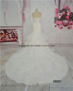 White Color Elegant Mermaid Wedding Dress with Long Train pictures & photos