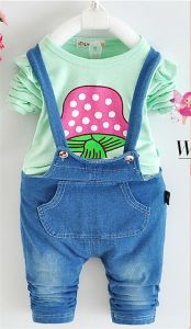 Ks1912 Summer Fashion Denim Kids Little Girl Clothing Set Cartoon T Shirt +Pockets Girl Denim Overalls Suspender Trouser Sets pictures & photos