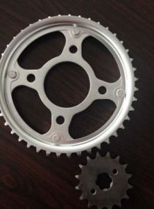 OEM Color Packing Box Motorcycle Driving Chain and Sprocket pictures & photos