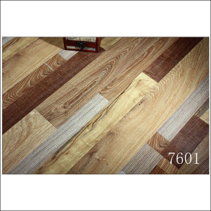 AC5 Health E0 Brushed Oak Grain Laminate Flooring pictures & photos