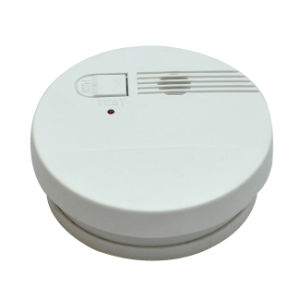 LED Indicator Battery Operated Smoke Detector pictures & photos