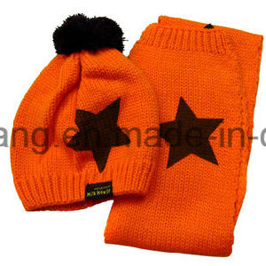 Beautiful Kid′s Winter Warm Knitted Acrylic Set pictures & photos