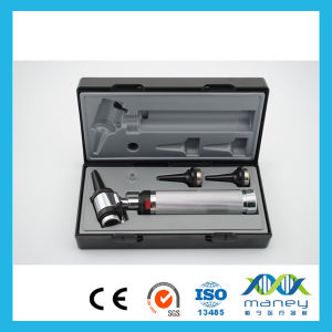 Medical Diagnostic Equipments LED Otoscope pictures & photos