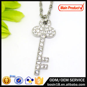 Wholesale Alloy Chain Crystal Key Pendant Necklace pictures & photos