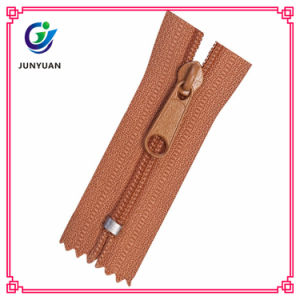 Zipper Manufacturer Directly Supply Cheap Nylon Zipper pictures & photos