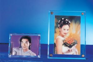Customize pH-121 Clear Acrylic Wall Mount Photo Picture Frame pictures & photos