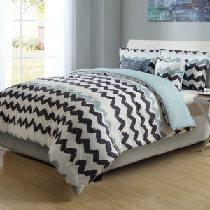 Classic Printed Polyester Soft Microfiber Bed Sheet Set pictures & photos