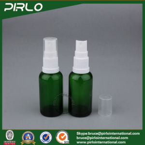 15ml 0.5oz Green Cosmetic Spray Bottle Glass Essential Oil Use Glass Bottle Perfume Refillable Bottle with Fine Mist Sprayer pictures & photos