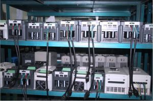 Single Phase Frequency Inverter, Factory Frequqency Inverter, Frequency Inverter (0.4KW~500kw) pictures & photos