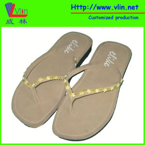 Bead Strap Leather Women′s Slippers/Flip Flops pictures & photos