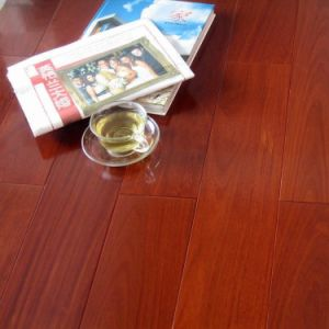 12.3mm V-Groove Laminate Flooring pictures & photos