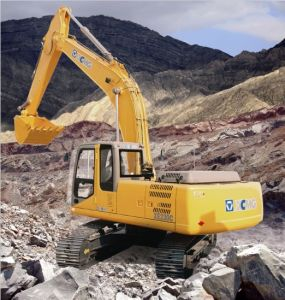 XCMG Excavator XE230C with 23t Operating Weight pictures & photos