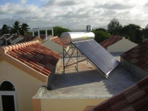 Non-Pressure Solar Water Heater pictures & photos