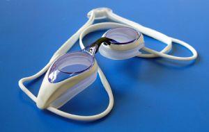 100% UV-Protective Swimming Goggle with Comfortable Silicone Straps