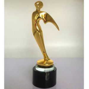 Factory Cheap Gold Flyman Oscar Glass Trophy Cup pictures & photos