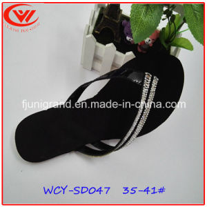 Confortable Black Women Slipper with EVA Outsole pictures & photos