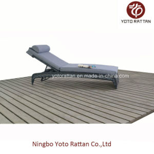 Outdoor Grey Wicker Lounger (1516) pictures & photos