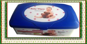 Natural Soft Baby Cleaning Wipes Packed in Containers