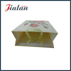 Sell Well Matte Flower Design Paper Gift Bag pictures & photos